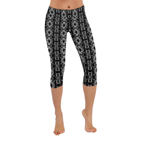 Urban Underground Ornate Chain Pattern Yoga Low Rise Capri Leggings
