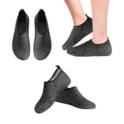 Alien Flying Saucers Stars Pattern on Charcoal Men's Slip-On Water Shoes (Model 056)