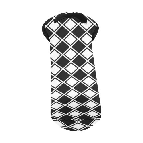 Black And White Diamonds Neoprene Wine Bag